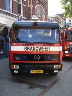 03-8660 Schuimblusser van de brandweer van Emmen op 07-07-2013.
