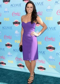 Purple patch: Michelle Rodriguez looked stunning in a simple strapless dress with gold and black shoes Michelle Rodriguez, Hot Actresses, Beautiful Actresses, Hollywood Actresses, Teen Choice Awards 2013, Dom And Letty, Thing 1, Tight Dresses, Sexy