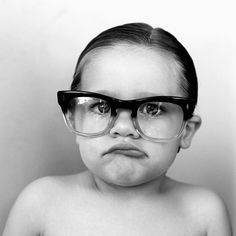 If i must have a child, they will wear oversized glasses. Delightful.