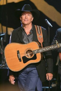 GEORGE STRAIT - Here is my man!!!