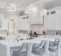 White marble kitchen x
