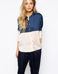 Really digging this block colour blouse, so gorgeous to team with light wash mom jeans!