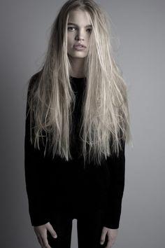 Celebrity In Style: Daphne Groeneveld ( Dutch model )