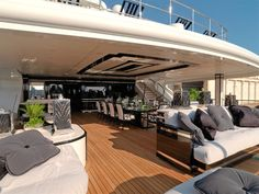 Benetti 65 silver angel Luxury Yachts, Luxury Cars, Big Yachts, Benetti Yachts, Motor Yacht, Yacht Design, Boat Design, Interior Design London, Yacht Interior