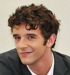 Trendy Look Curly Hairstyles for Men