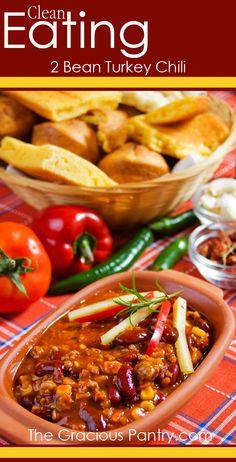 Clean Eating 2 Bean Turkey Chili. #cleaneatingrecipes #cleaneating #eatclean #chili #chilirecipes