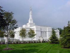 Detroit Michigan Mormon Temple. © 2001, Garrett Anderson. All rights reserved.