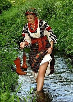 Ukrainian girls are the most beautiful in the world. You dream about one? Your girlfriend is Ukrainian? Read how to build a happy family with her! How to win a heart of Ukrainian girl? How to choose your sexy Ukraine Looking for your Ukraine girl? Traditional Fashion, Traditional Dresses, Fotografia Retro, Ethno Style, Ukraine Girls, Folk Clothing, Russian Beauty, Folk Fashion, Folk Costume