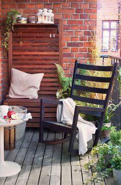 Een plekje op je terras #IKEA #tuin #terras (VÄRMDÖ schommelstoel)