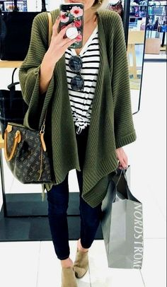 24 Beautiful Women Winter Casual Outfits With Cardigan Source by FashionCurrationAll casual winter Smart Casual Winter Outfits, Winter Outfits 2019, Business Casual Outfits For Women, Winter Outfits Women, Casual Fall Outfits, Cute Outfits, Winter Weekend Outfit, Smart Casual Look Women, Autumn Fashion Women Casual