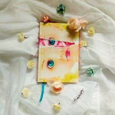 """MENIMA MÁ - WILLIAM MARCH. (262 Pag.) """"Será a maldade uma espécie de semente que carregamos dentro de nós, capaz de brotar na mais adorável… Gift Wrapping, Instagram, Gifts, Seeds, Olive Tree, Paper Wrapping, Presents, Wrapping Gifts, Favors"""