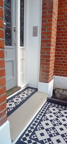 black and white victorian reproduction mosaic tile path battersea York stone rop. - black and white victorian reproduction mosaic tile path battersea York stone rope edge buxus london - Front Garden Path, Front Path, Front Door Steps, Front Driveway Ideas, Garden Paths, Victorian Front Garden, Victorian Front Doors, Victorian Homes, Victorian Porch