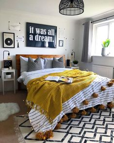 Modern Bohemian Bedrooms & Home Interior Decor Ideas: With the passage of time the demand and trend of the bohemian home decoration has been becoming the main talk of the town. Bohemian Bedroom Decor, Diy Bedroom Decor, Home Decor, Bedroom Ideas, Ideas For Bedrooms, Bedroom Decor For Women, Gothic Bedroom, Bohemian Bedding, Bohemian House