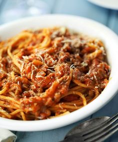 Linser og tun Bolognese 18 Surprisingly Tasty Recipes That Start With A Can Of Tuna Fish Soup Recipes, Cooking Recipes, Tuna Recipes, Seafood Recipes, Pasta Recipes, Vegan Recipes, Asian Diet, Grilled Eggplant, Tasty