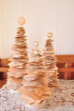 906 E. Chic: What you can do with old books : DIY Anthropologie {style} Christmas