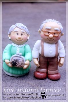 Cold Porcelain Clay - Grandpa and Grandma, see details on… Cake Design For Men, Fondant People, Cold Porcelain, Porcelain Clay, Christmas Cake Decorations, 90th Birthday Parties, Fondant Cake Toppers, Polymer Clay Figures, Hershey Chocolate