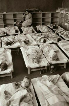 Do you remember back in elementary school when Nap Time was an official part of the curriculum? This was Nursery School days. After School Routine, School Routines, Mode Vintage, Style Vintage, Old School House, School Days, Retro Kids, Pin Up, Nursery School