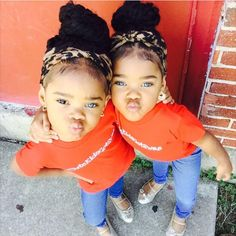 Mama And Her Twin Girls Megan Amp Morgan The M Amp M Twins
