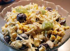 Ostatnio miałam ochotę zjeść jakąś dobrą sałatkę. Najlepiej z lekko słodkim akcentem. Wymyśliłam pyszną sałatkę z selerem, kurczakiem, winogronami, kukuryd Mozzarella, Pasta Salad, Feta, Potato Salad, Macaroni And Cheese, Rice, Potatoes, Ethnic Recipes, Crab Pasta Salad