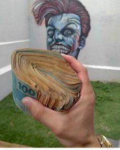 #Luxo #dinheiro #poder #riqueza #prosperidade #money #magnatas #ricos #vidaBoa Rich Lifestyle, Luxury Lifestyle, Alcohol Aesthetic, Black Azz, Manifesting Money, Tribal Tattoo Designs, My Money, Fancy, Malm