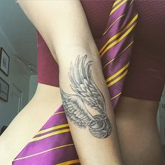 There are many examples of how the spirit of Harry Potter has been captured in the body of a man and a woman. Here are the best Harry potter tattoos that any Harry fans will recognize: Dope Tattoos, Trendy Tattoos, New Tattoos, Small Tattoos, Tatoos, Hp Tattoo, Get A Tattoo, Tattoo Quotes, Golden Snitch Tattoo