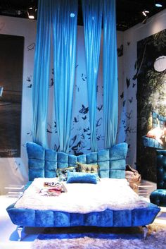 What do you think of this bed?  It reminds me of the Little Mermaid!