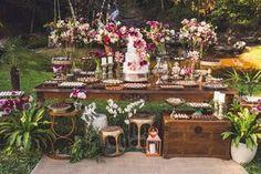 28 Ideas Rustic Boho Bridal Shower Simple For 2019 Bridal Shower Tables, Bridal Shower Decorations, Wedding Decorations, Wedding Desserts, Bridal Bouquet Fall, Bridal Flowers, Candy Bar Decoracion, Wedding Table, Rustic Wedding