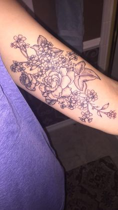 #forgetmenot #floral #missyou #goldenandtrue #tattoo #flowers #carnation #gardenia #beautiful #ink #unique #tat #arm #armtattoo #bicep #innerarm #innerbicep