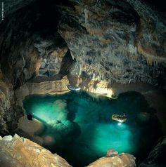 • Σπήλαιο των Λιμνών, Καλάβρυτα, Αχαΐα, Πελοπόννησος, Ελλάδα • Cave of the Lakes (Spilaio ton Limnon), Kalavryta, Achaia, Peloponnese, Hellas (Greece)