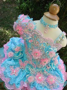 Cute Girl's Glitz Pageant Dresses 2015 Ball Gown Lace Flower Girl Dresses Hand Made Flowers Beads Crystals Tiers Toddler Pageant Dresses Toddler Pageant Dresses, Glitz Pageant Dresses, Little Girl Pageant Dresses, Pageant Wear, Gowns For Girls, Girls Dresses, Dresses 2014, Beauty Pageant, Pagent Dresses For Kids
