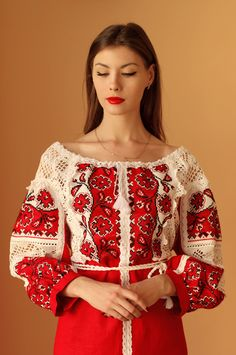 Folk Fashion, Ethnic Fashion, Womens Fashion, Ukrainian Dress, Bohemian Blouses, Pakistani Dress Design, Beautiful Costumes, Embroidery Fashion, Folk Costume