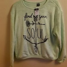 "Find Your Soul Sweatershirt Mint SUPER SUPER SOFT ""find your soul"" sweatshirt. Arrow print. Rue 21 Tops Sweatshirts & Hoodies"