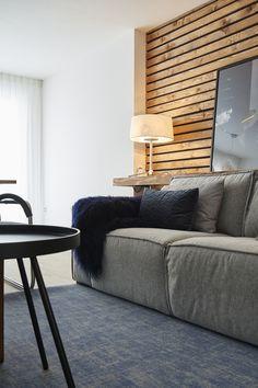 Wit als basis met daarbij kleur en natuurlijke materialen voor warmte. Jan des Bouvries voor RTL Woonmagazine. Gordijnen van A House of Happiness.