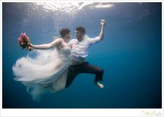 Trash the dress,Underwater Wedding Photography,Underwater photography,