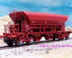 MISTRAL - 2701B007 - Ep. V ( Sncf/Sncb ) - Prix: 58.5o € Wagon trémie à ballast SNCF, époque V, avec attelages NEM à élongation, immatriculation N°977 7 086-0.  http://stev.pamiers.pagesperso-orange.fr/wagons1.htm