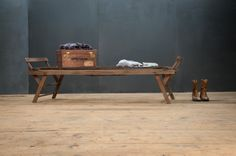 Gumblat Vintage Clothiers Bench : Factory 20