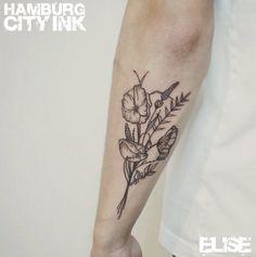 #Tattoo #Blackwork #Minimalistic #Minimaltattoo # Minimalistictattoo #Tatt #Hamburgtattoo #Tattooist #Tattooartist #Elise #Hamburgcityink #Hamburgcity #HCI #Tattoostudio #HH #Flowers #Flowertattoo #Blumen #Blumentattoo #Blumenstrauß #Blumenstraußtattoo