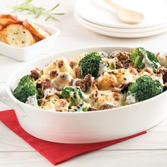 Cuisine tout-en-un: 20 casseroles 100 % réconfortantes Chop Suey, Casserole Dishes, Family Meals, Food Inspiration, Broccoli, Macaroni And Cheese, Food To Make, Meal Planning, Dinner Recipes
