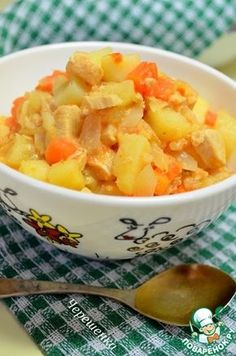 Картофель тушеный в мультиварке с курицей и овощами
