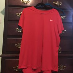 Nike work out shirt Nike dry fit, has a pull and price reflects it! Nike Tops Tees - Short Sleeve