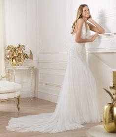 Pronovias präsentiert Ihnen das Modell Lacey. Fashion 2014.   Pronovias