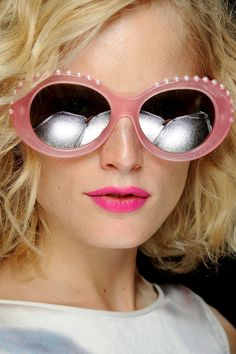 Pink sunglasses and lips on the Giles Spring Runway 2013