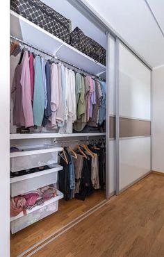 Einbauschrank im Schlafzimmer: moderne Schlafzimmer von Elfa Deutschland GmbH