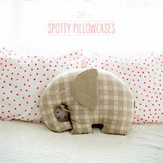 You won't believe how easy it to to make these spotty pillowcases.