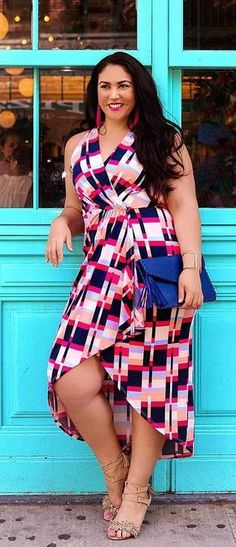 Buying plus size clothes are not easy. The biggest problem with buying clothes for women with the plus-size is either n… Plus Size Fashion For Women, Plus Size Womens Clothing, Clothes For Women, Plus Fashion, Ladies Clothes, Fashion Stores, Size Clothing, Fashion Dresses, Plus Size Dresses
