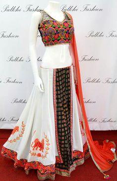 Gharara Designs, Choli Designs, Lehenga Designs, Blouse Designs, Lehenga Top, Lehnga Dress, Lehenga Choli, Pakistani Outfits, Indian Outfits
