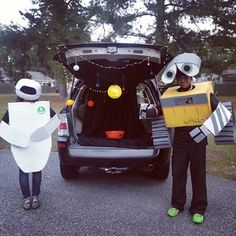 Wall-E. | 36 Trunk-Or-Treat Themes That Really Nailed It