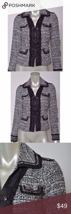 White House Black Market XS 0 Tweed Blazer Coat White House Black Market XS 0 Coat Tweed Stretch Career Womens Blazer Jacket 0 Total length is 21 inches Bust is 38 inches, unstretched Excellent condition White House Black Market Jackets & Coats Blazers