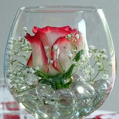 Rose in a wine glass - flowers nature ideas- Rose im Weinglas – Blumen Natur Ideen Rose in wine glass / table decoration glass - Floral Centerpieces, Table Centerpieces, Wedding Centerpieces, Floral Arrangements, Wedding Decorations, Table Decorations, Centrepieces, Wedding Ideas, Table Wedding