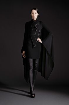 Gareth Pugh Spring 2015 Ready-to-Wear - Collection - Gallery - Look 1…